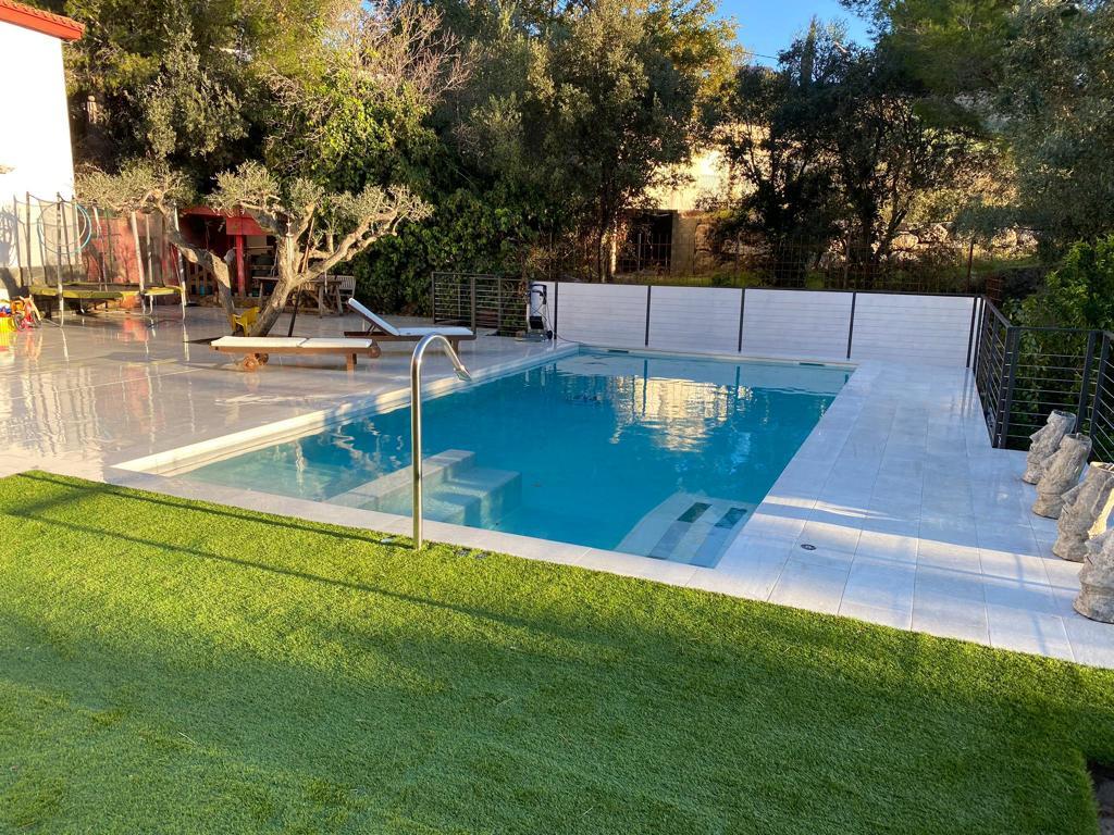 construcción de piscina con jacuzzi y cañon cervilaes ROSA GRES 5