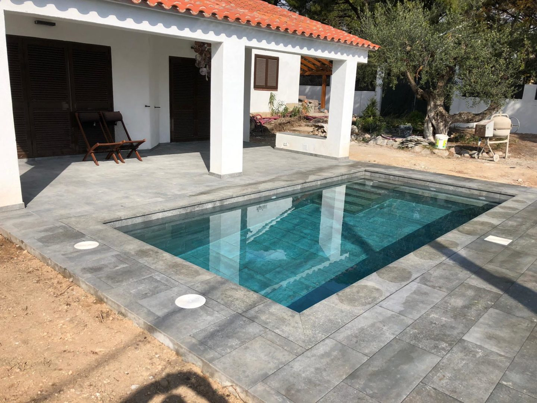 construcción de piscina porcelanico Cambrils
